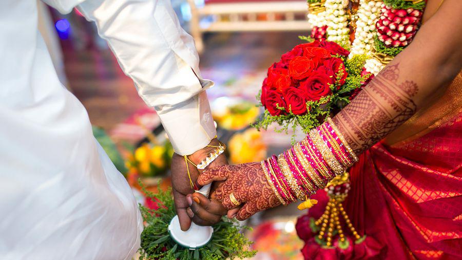 લગ્નના મંડપમાં પહોંચી દુલ્હન અને ભાગી ગયો વરરાજો