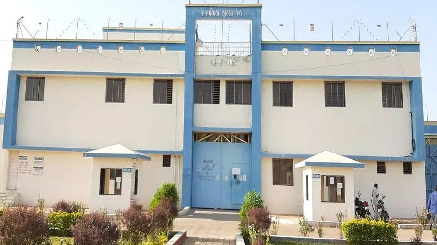 કોરોના વાયરસનો ડર, રાજપીપળામાં બે કેદીઓએ જેલમાંથી બહાર ન જવા જજને અપીલ કરી