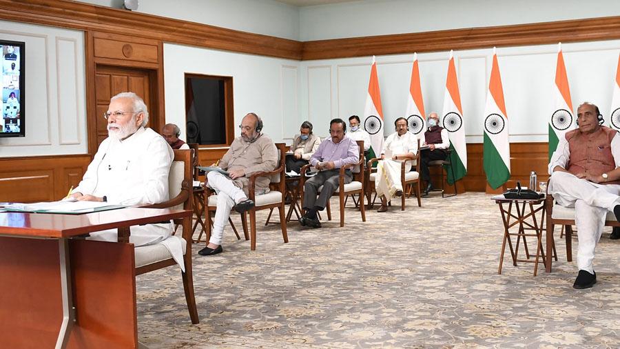 રાજ્યો, જિલ્લા વહીવટીતંત્રો અને નિષ્ણાતોએ લૉકડાઉનને લંબાવવાની ભલામણ કરીઃ PM મોદી
