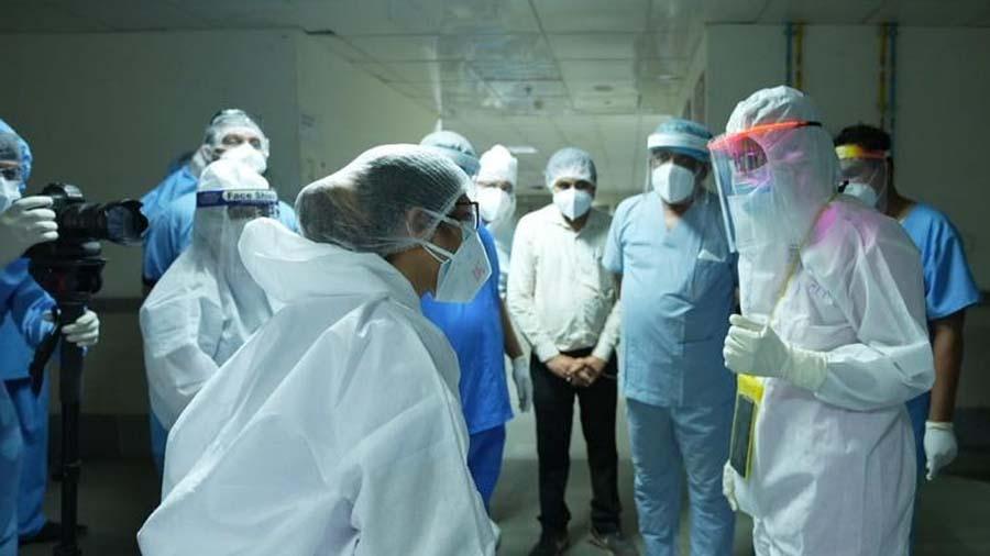 ડૉ. જયંતી રવિએ ઓક્સિજનના વપરાશમાં સંવેદનશીલતાપૂર્વક કાળજી લેવા હોસ્પિટલો કહ્યું