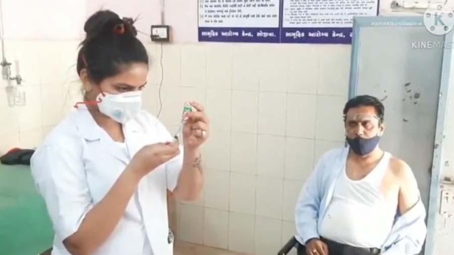 પ્રેગ્નેન્ટ હોવા છતા નર્સ અંજલીબેને દર્દીઓની સારવાર કરી