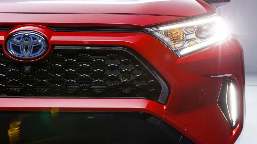 Toyotaની આ 3 જબરદસ્ત કાર પર મળી રહી છે 65000ની ભારે છૂટ