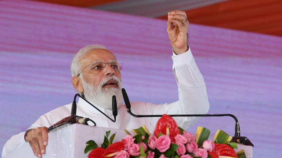અમારું લક્ષ્ય ઑઇલ અને ગેસ ક્ષેત્રમાં ભારતને આત્મનિર્ભર બનાવવાનું છે: PM મોદી